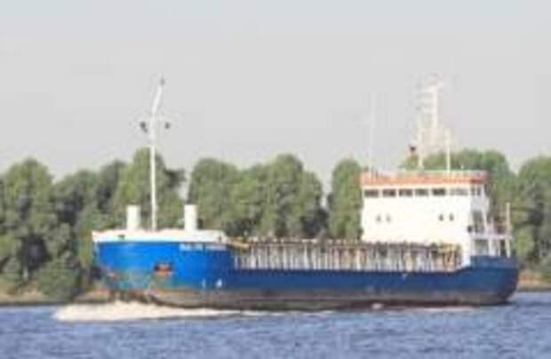 В Швеции село на мель судно с российскими моряками