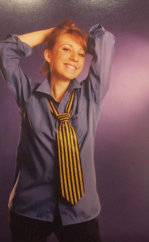 Будущий директор Департамента информации и печати Министерства иностранных дел Российской Федерации Мария Захарова. 1990-ые.