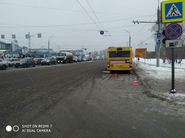 Автобус в Ижевске сбил женщину на пешеходном переходе