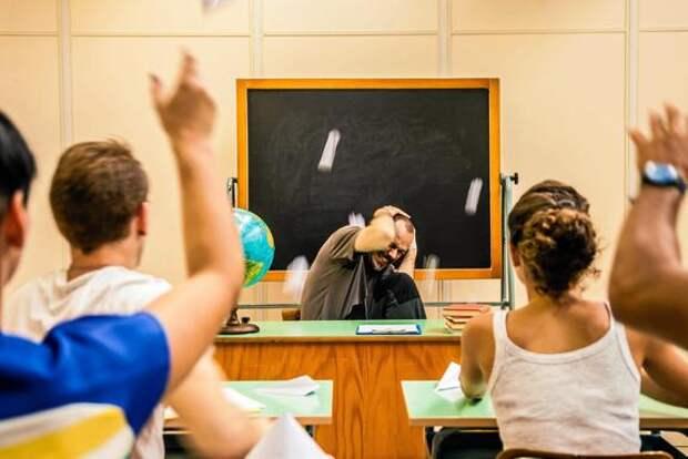 Гонения на современных учителей по-прежнему продолжаются