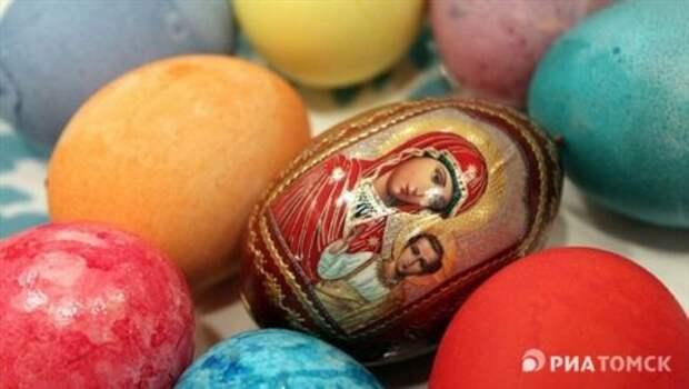 Красим яйца тем, что оказалось под рукой. Быстро и легко