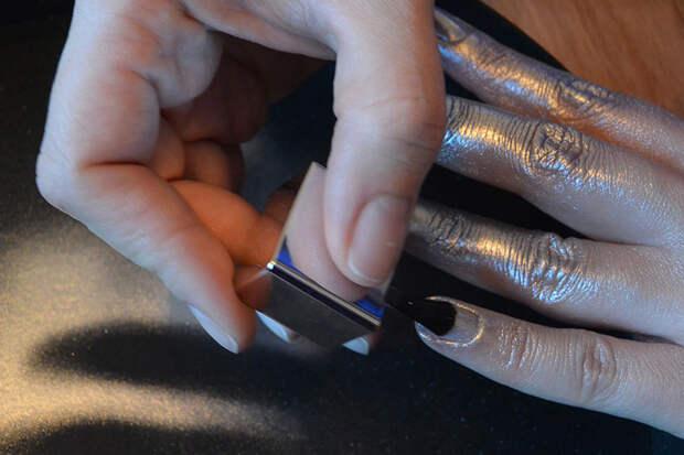 nails.inc-paintcan-6