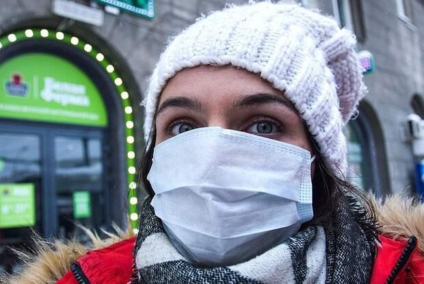 В Роспотребнадзоре ожидают, что заболеваемость COVID-19 в России осенью 2021 будет ниже прошлогодней