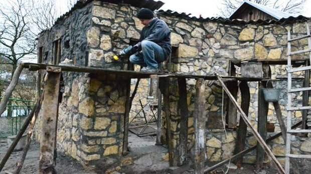 Дикий камень в отделке фасадов. Фото с сайта repair-home.net