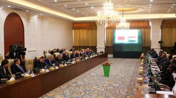 Белорусским депутатам объяснили все про многовекторную политику