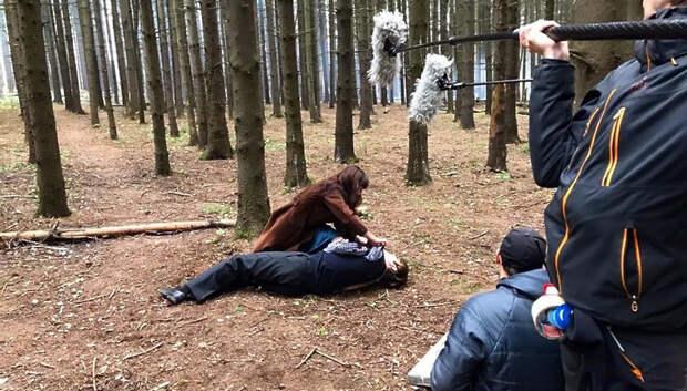 Эпизод фильма с участием Максима Аверина снимают в лесу в Подольске