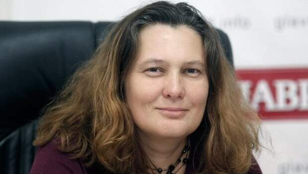 Монтян объяснила, почему Украина перебрасывает танки на Донбасс без маскировки
