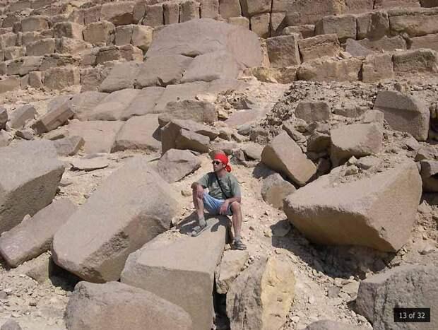 Пирамида Менкаура: добыча материала или война богов?