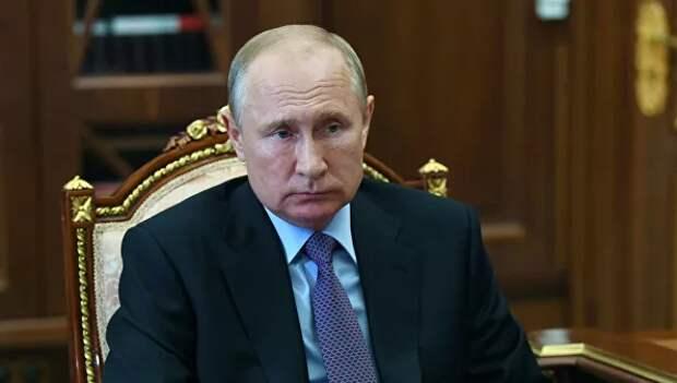 Путин поручил предусмотреть получение статуса самозанятого с 16 лет