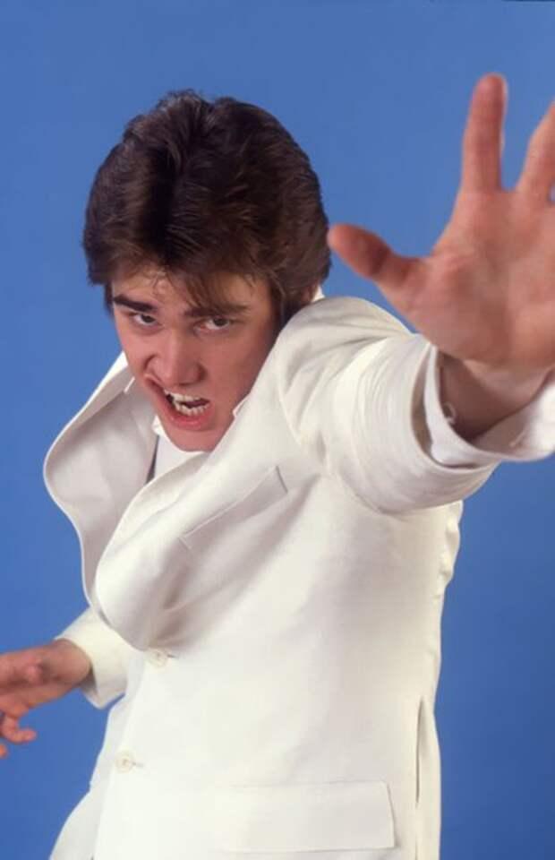 Юный Джим Керри пародирует знаменитостей.