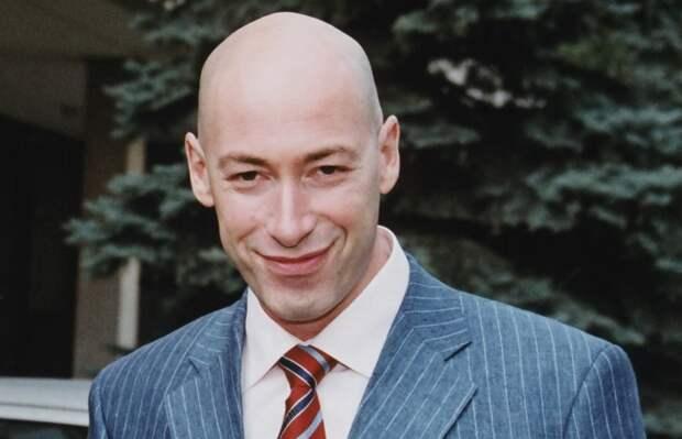 Бред Гордона о русской вакцине не выдержал даже оператор