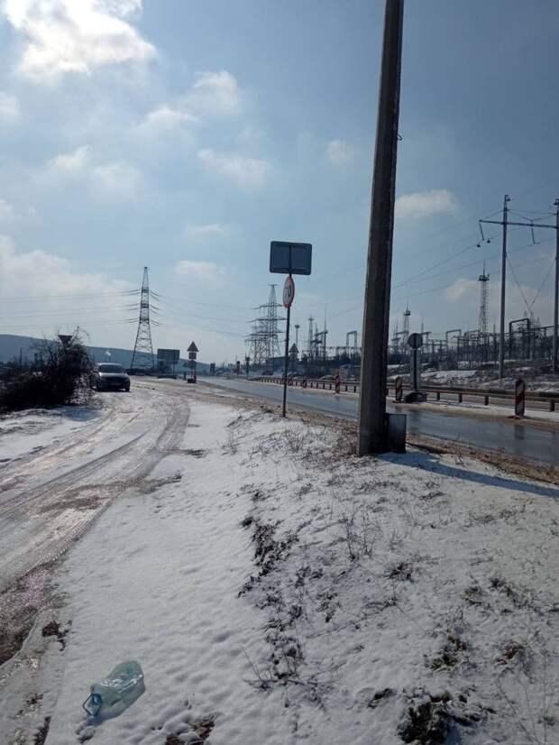 Ситуация на дорогах Севастополя 19 февраля 2021: где пробки, гололёд, аварии. Фото, видео (обновляется)