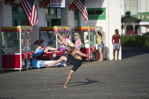 Dancers-Among-Us-at-Playland-Eric-Bourne