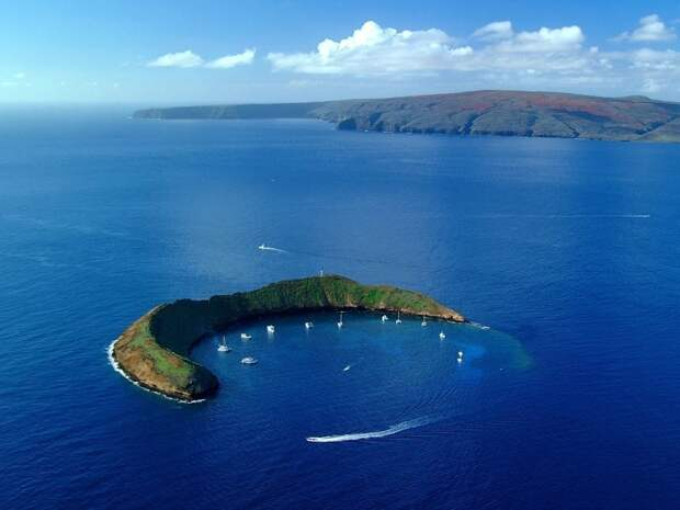 HI 020113-244<br ></img>Molokini Island,  Maui<br />January 13, 2002