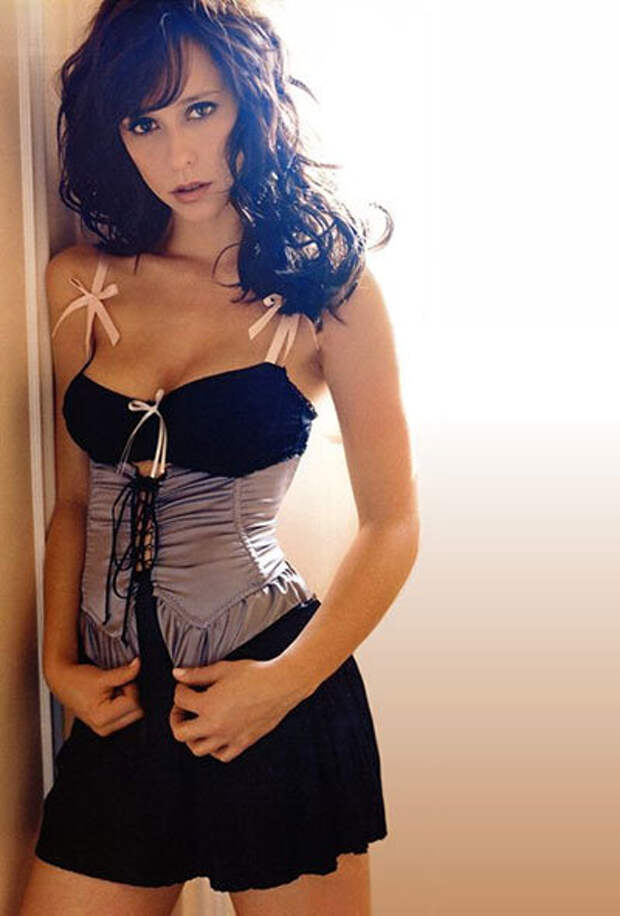 Красивая молодая звезда 90-х Дженнифер Лав Хьюитт.
