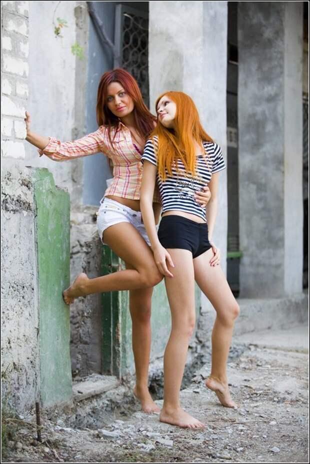 Девушки в шортах