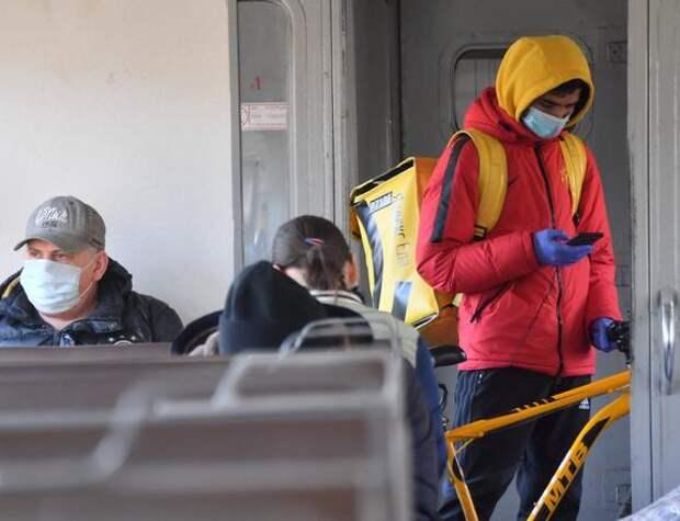 В Подмосковье пассажиров без маски в общественном транспорте могут оштрафовать на пять тысяч рублей