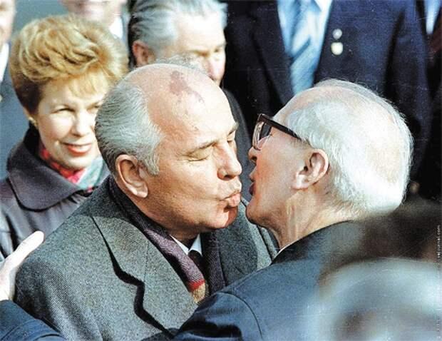 Из воспоминаний Н.И. Рыжкова: Кто стоял за спиной Горбачева?