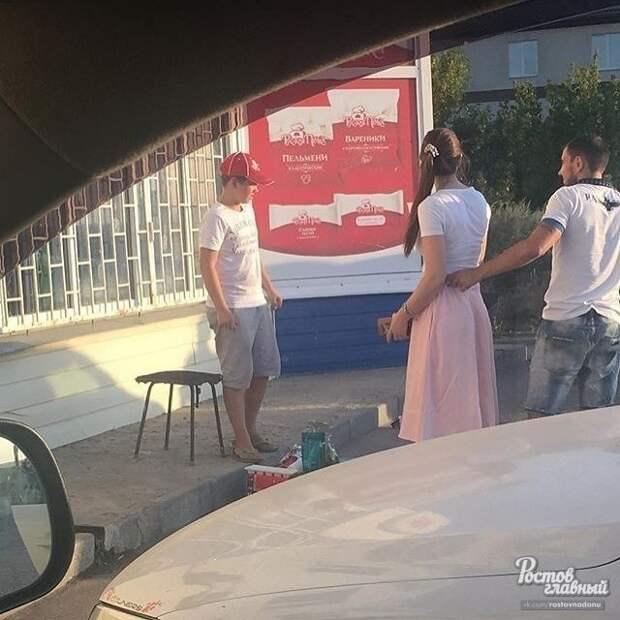 Пятиклассник продавал лимонад на улице, чтобы вылечить пса воспитание, добро, животные, забота, лимонад, люди, собака