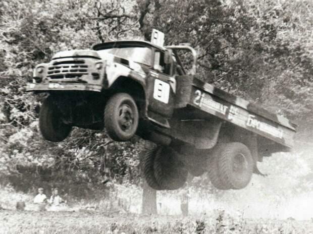 Советские гоночные грузовики ЗИЛ 130