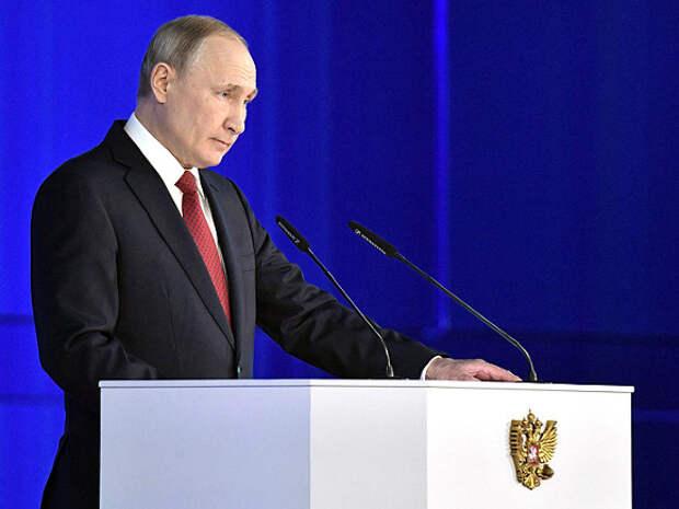 Путин начал третье десятилетие правления с раскачивания лодки