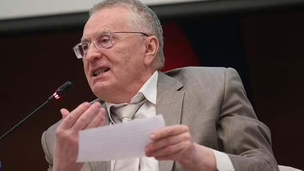 Жириновский похвалил власти Украины за успешный развал страны