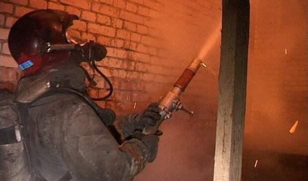 В Оренбургском районе пожарные боролись с огнем на площади 78 кв.м