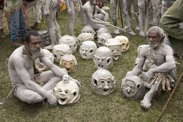 Грязевые люди Асаро (Папуа-Новая Гвинея). 15 фото