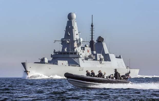 Москва жестко отреагировала на нарушение британским эсминцем границы