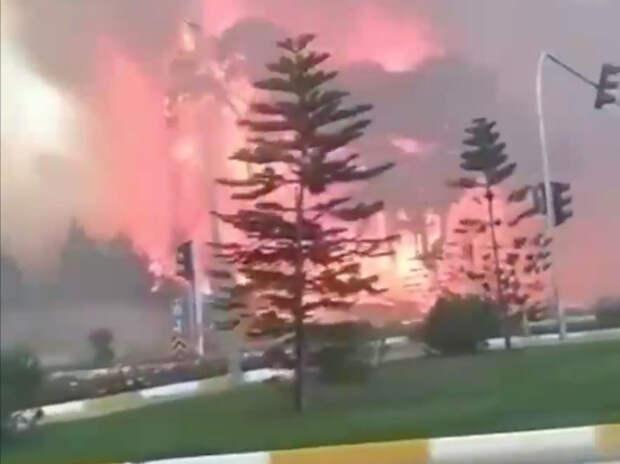 В Турции пожары добрались до курортов Анталии: отели в дыму
