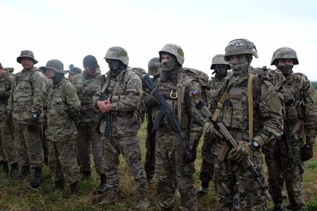 Россия готова перебросить 10 тысяч добровольцев в Донбасс в случае украинской агрессии