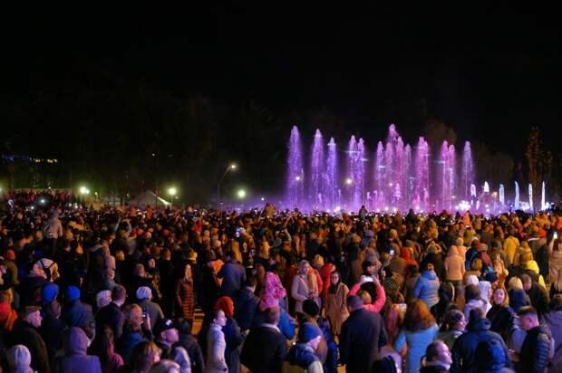 Новый фонтан на Центральной площади Ижевска законсервируют на зиму уже в понедельник