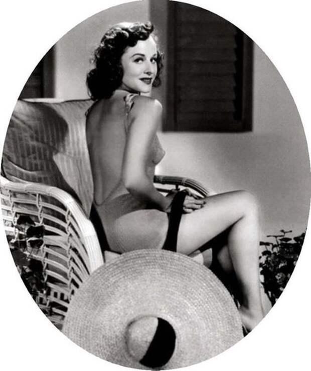 Полетт Годдард ( Paulette Goddard) снималась вместе с Чарли Чаплиным.