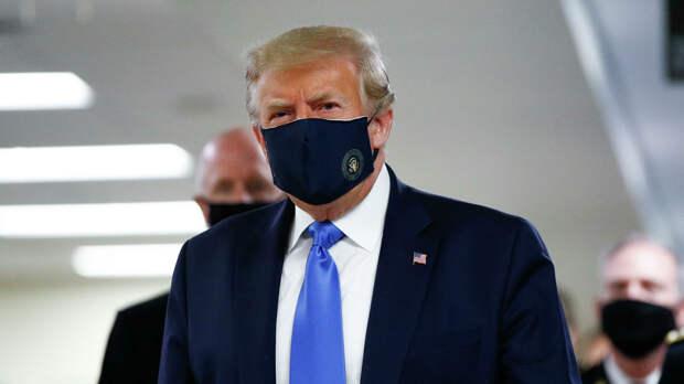 Дональд Трамп в медицинской маске - РИА Новости, 1920, 05.10.2020