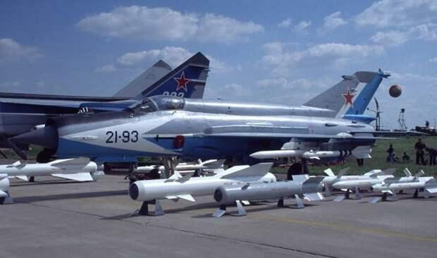 Mikoyan-GurevichMiG-21-93.jpg