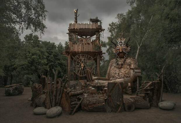 Тролли в лесу это уже не шутки искусство, лес, лесная сказка, сказочный сюжет, скольптура, творчество, томас дамбо, тролли