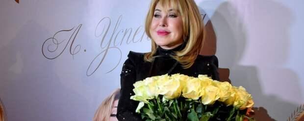 Любовь Успенская сделала пластическую операцию на ягодицах