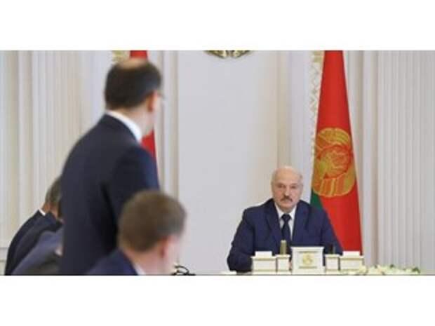 Лукашенко: МИД побежал за демократией, а оказалось, что это вред для государства