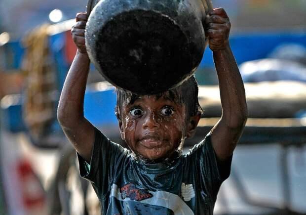 20 шокирующих кадров, демонстрирующих жизнь в условиях дефицита питьевой воды