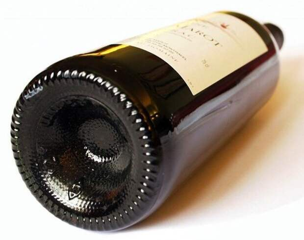 Так вот зачем на дне бутылок для вина сделано это углубление.