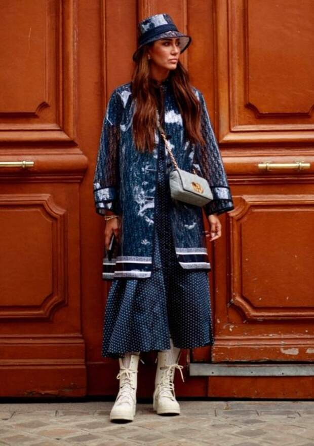 Яркий уличный стиль на Неделе высокой моды в Париже 2021 года