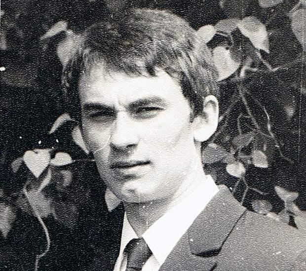 Студент Александр Серов. ФОТО Официальный сайт