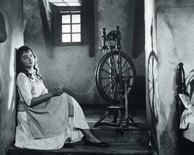 Анастасия Вертинская в образе Ассоль.