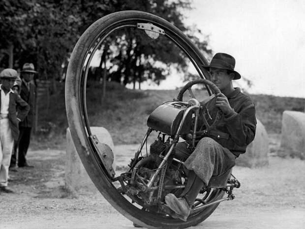 Одноколёсный мотоцикл, Германия, 1925 год.
