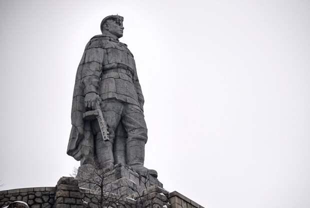 «Братушки» подали голос: Болгария не сочла борьбу СССР с нацизмом освобождением Европы