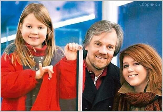 Янина Лисовская с мужем и дочкой. Фото начала 2000-х. (Источник изобр.: 24smi.org).