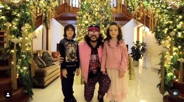 филипп киркоров с детьми у елки