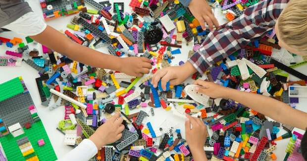 Онлайн-продажи Lego Group показали двузначные темпы роста