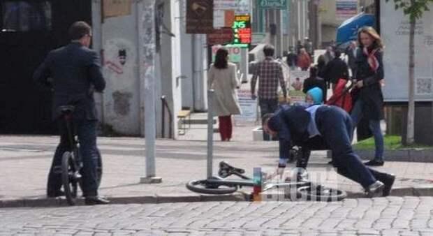 Виталий Кличко упал с велосипеда