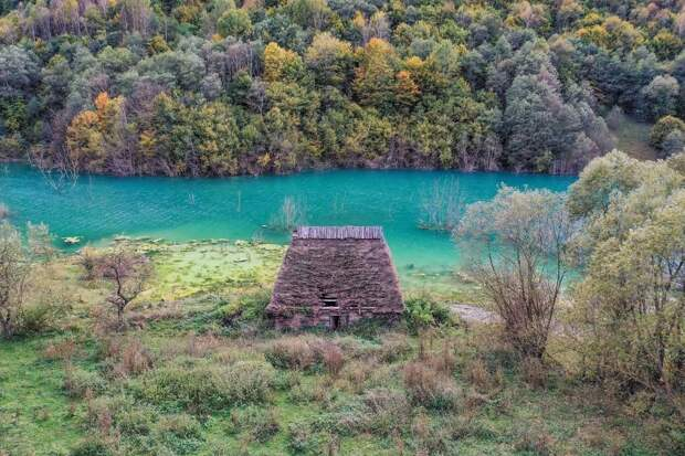 9 красивых фото токсичной деревни в Румынии